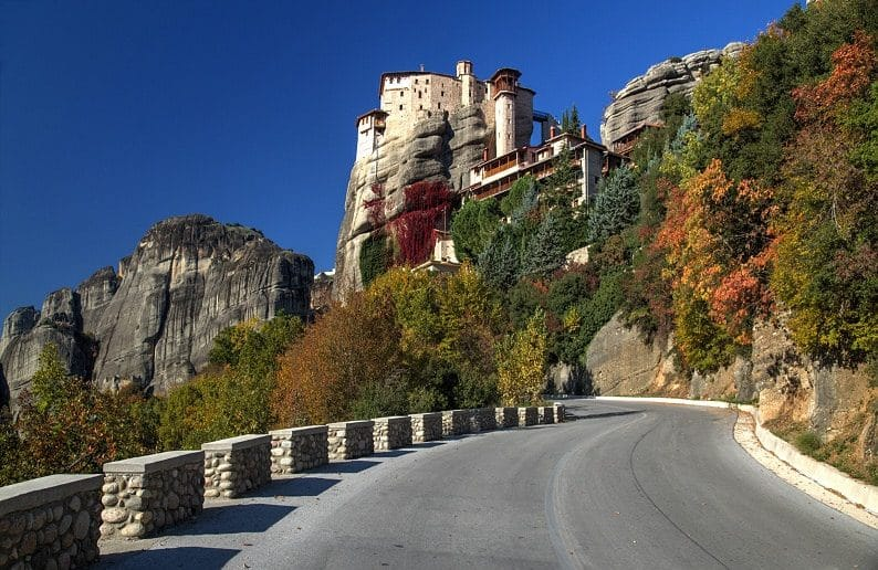 Meteora Tours from Thessaloniki by Train